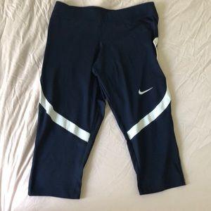 Women's Nike dri-fit navy Capri leggings